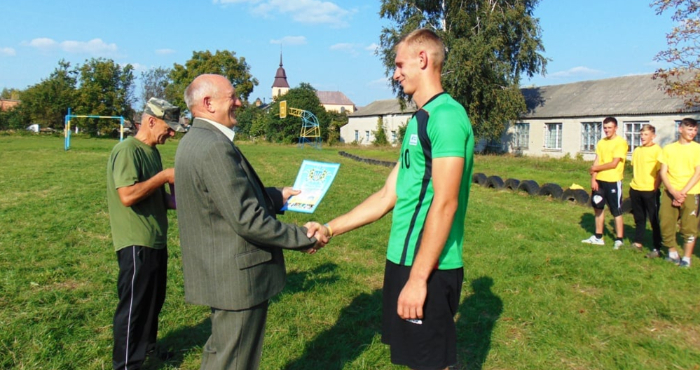 У Рожищенському коледжі футбольним матчем відзначили День фізичної культури і спорту