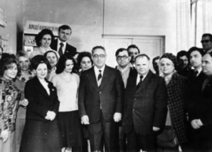 Юрій Левітан під час візиту на Волинь