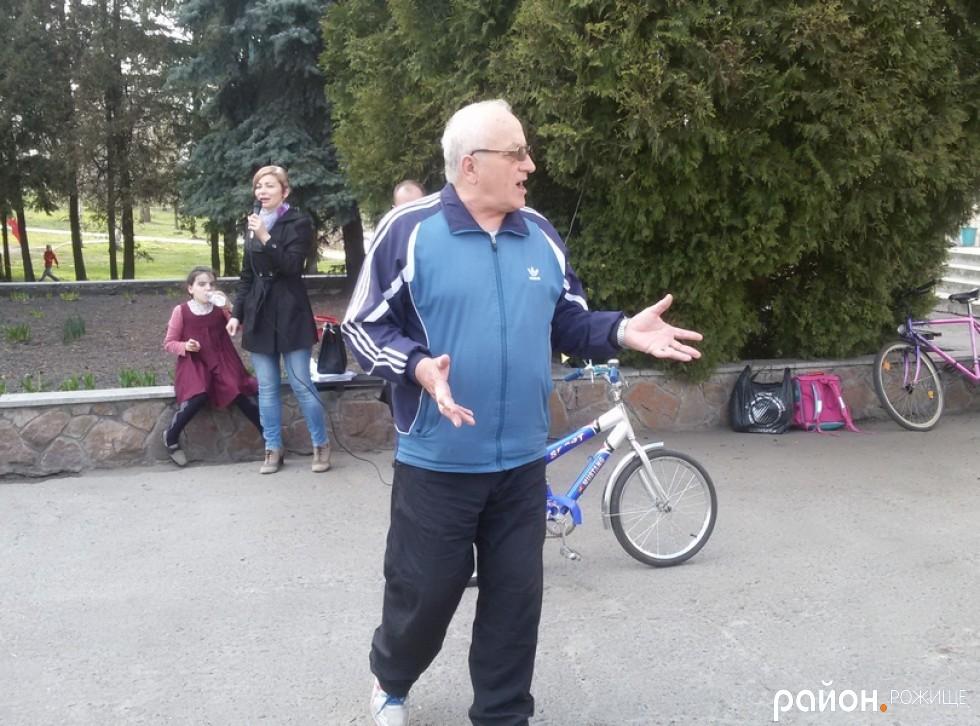 Тренер з настільного тенісу Микола Огородник
