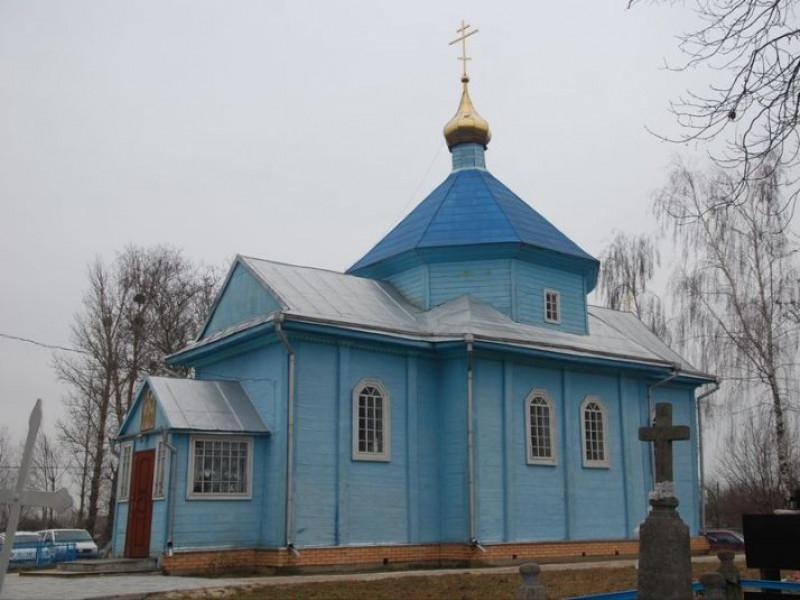 Старовинна Свято-Михайлівська церква у селі Щурин
