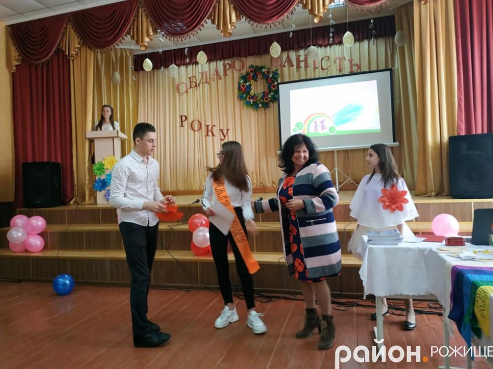 У номінації«Надія року» перемогу здобула восьмикласницяСвітланаАртемюк.