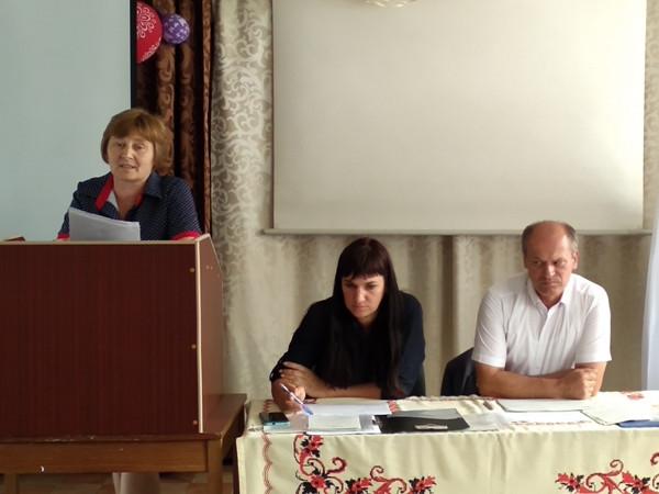 Звітує спеціалістка відділу з питань гуманітарної політики Копачівської сільської ради Ольга Ващук