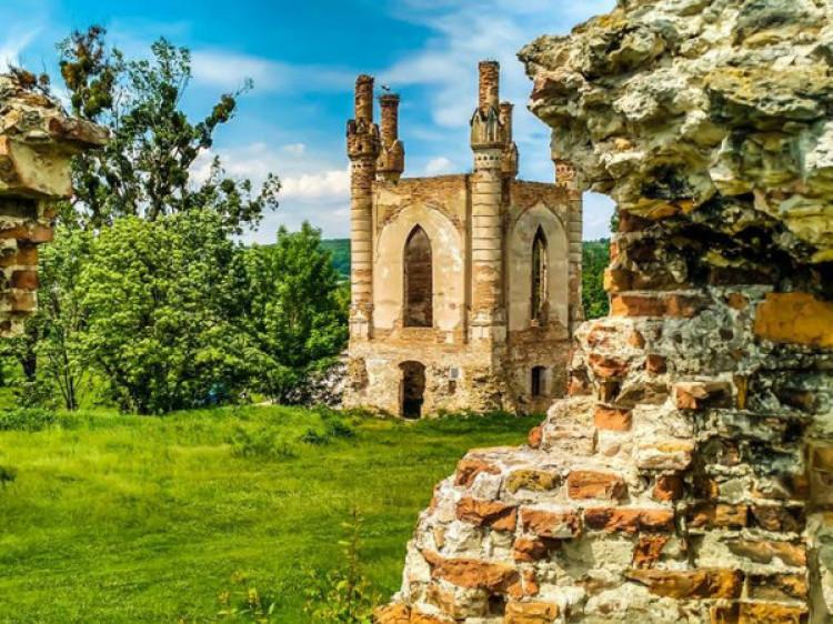 Новомалинський замок. Фото Ігоря Проценка