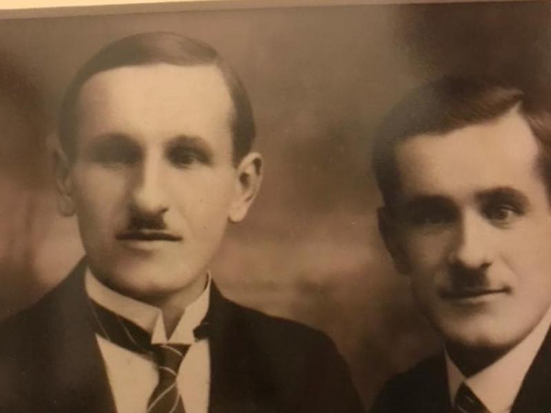 На знімку – ВацлавАрбесбауер, який працював директором школи у1924 і 1928-1929 роках, та його брат Антоній.