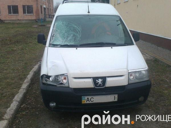 Автомобіль «Peugeot Expert» залишили у Княгининку