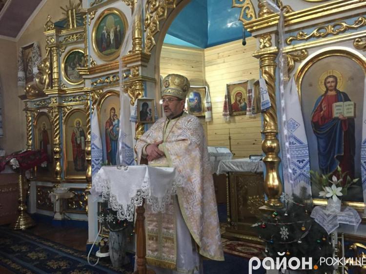 Протоієрей, настоятель храму «Різдва Пресвятої Богородиці» Василь Шняк