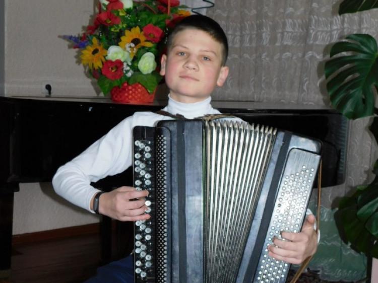 Вихованець Рожищенської дитячої музичної школи, баяніст Анатолій Райхерт