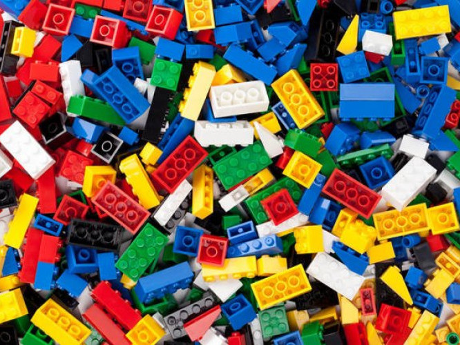 Першокласники Рожищенського району отримають набори LEGO
