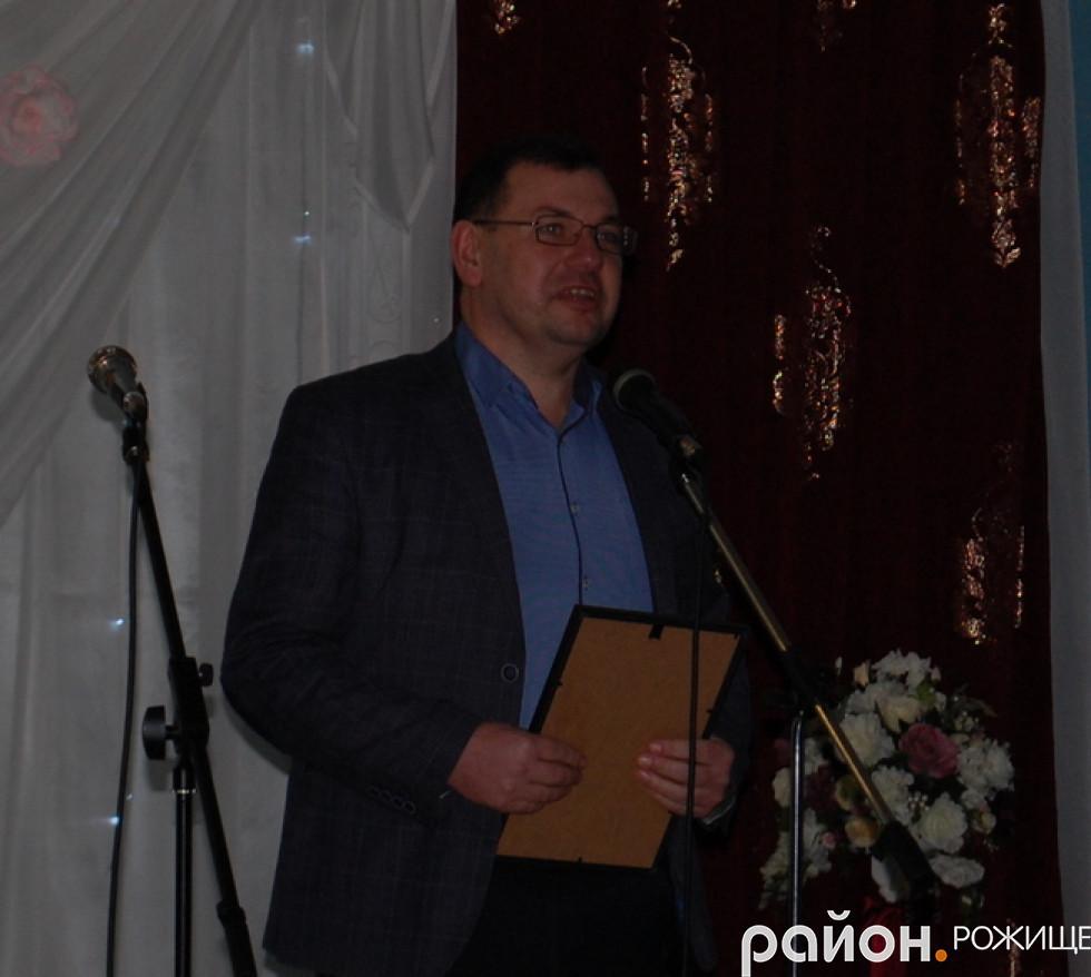 начальник відділу освіти та молоді Ігор Борисович Кузава