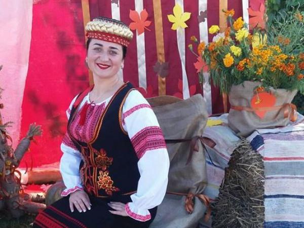Людмила Мосійчук, учасниця ансамблю «Колорит»