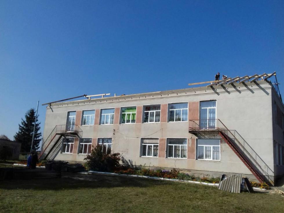 Ремонт даху у Кременецькому садочку