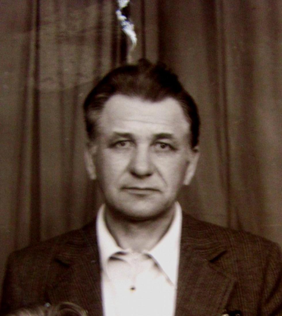 Костюк Євген –працівник типографії. Викрадав для підпілля шрифт та друкарську фарбу