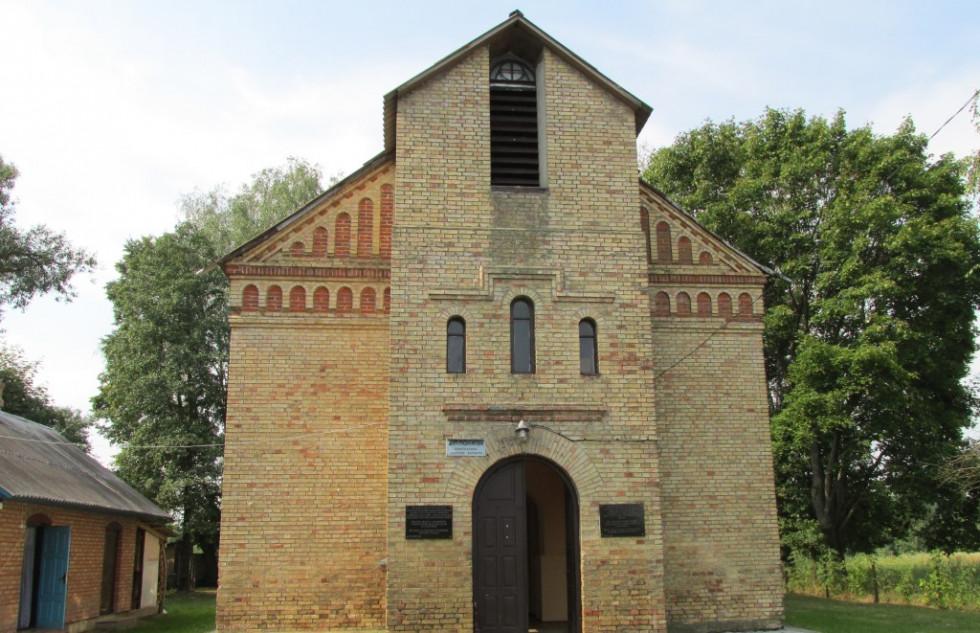Німецька кірха у селі Олешковичі Рожищенського району
