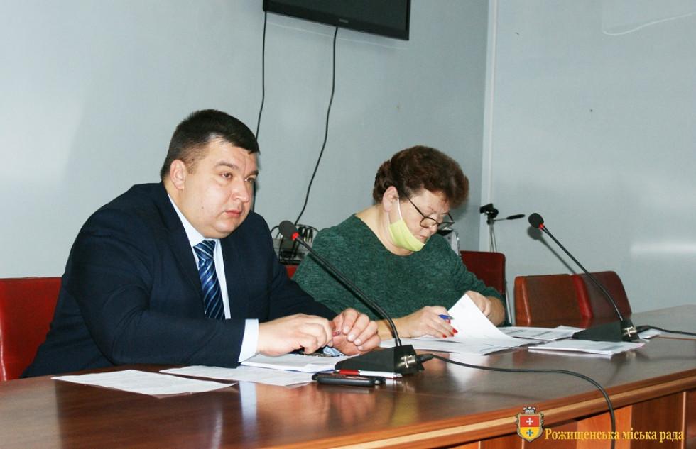 Вячеслав Поліщук та Ірина Попова під час прийняття бюджету на 2021 рік