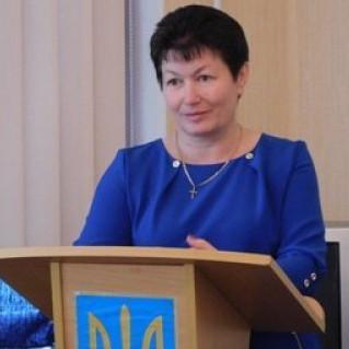 З повагою - директор коледжу Леся Недопад